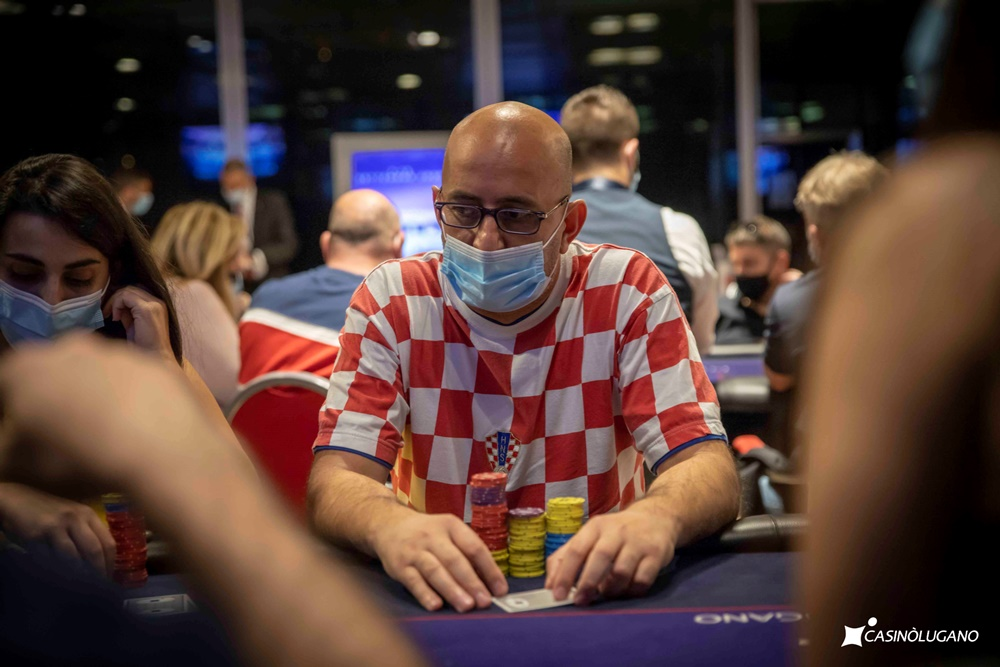 IPO Master Lugano: top field nel Day1A con un super chip leader, il bulgaro Malashevski a quota 566.500 gettoni